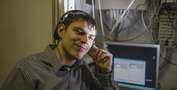 Александр Дьяченко знает компьютер, как свои пять пальцев.