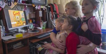 В который раз приятно посмотреть репортаж, снятый телеканалом «Санкт-Петербург» об их дружной семье.